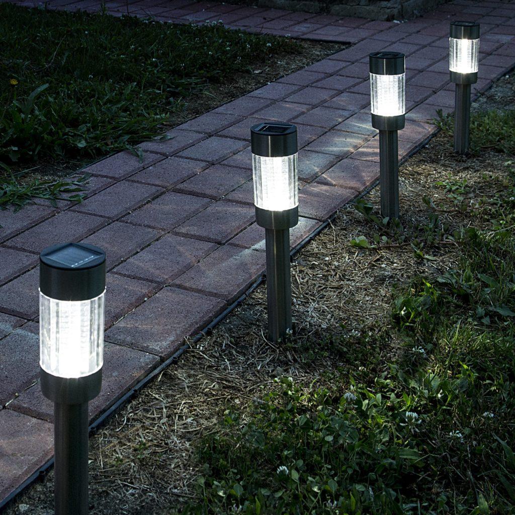 Szolár-napelemes-hengeres-kerti-lámpa-külső-min-1024x1024
